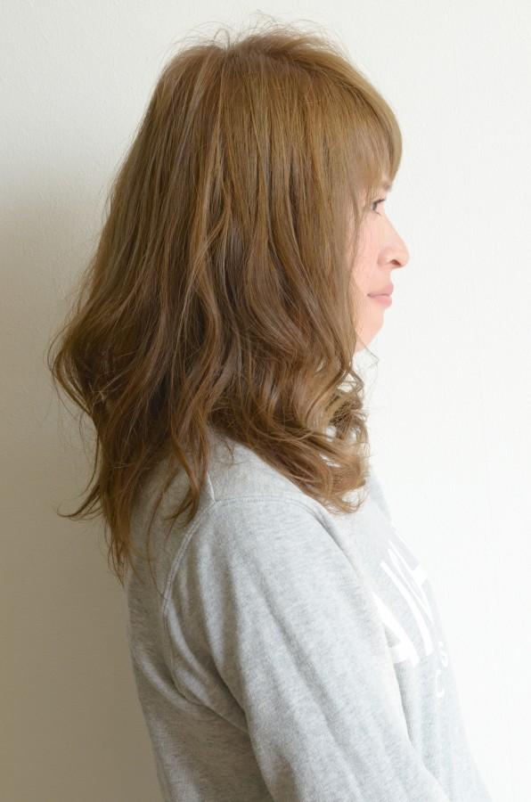 短めフロントが可愛い♪ふわふわパーマヘアSide写真